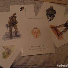 Militaria: CARPETA CON 6 LAMINAS UNIFORMES DE CAMPAÑA ACTUALES , EJERCITO DE TIERRA SEPT - 2004. Lote 95021059
