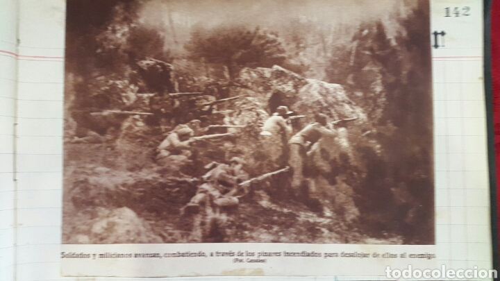 Militaria: ALBUM DE FOTOGRAFIAS DE PERIÓDICO DE LA GUERRA CIVIL. 215 PAGINAS - Foto 17 - 110627646