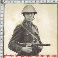 Militaria: LIBRO REVISTA STACHELDRAHT UM BERLIN - 1961.. Lote 153887570