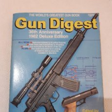 Militaria: LIBRO ANUARIO ARMAS USA. GUN DIGEST 36 ANNIVERSARY 1982 DELUXE EDITION. USADA BUEN ESTADO.. Lote 194380572