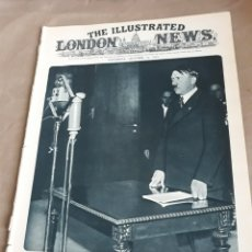 Militaria: THE ILLUSTRATED LONDON NEWS 21 OCTOBER 1933. HERR HITLER SPEAKING TO THE GERMAN PEOPLE. Lote 244653195