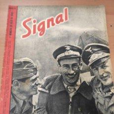 Militaria: ANTIGUA REVISTA SIGNAL PRIMER NÚMERO DE JULIO 1942, EN ESPAÑOL, NUMERO 13. Lote 293149933