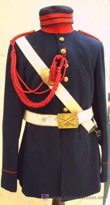 OTRO UNIFORME DE SOLDADO DE ARTILLERÍA. ÉPOCA ALFONSO XIII. SE TRATA DEL MODELO DE GALA. GUERRER (Militar - Uniformes Españoles )