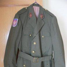 Militaria: UNIFORME DE TENIENTE CORONEL EPOCA DE FRANCO (GUERRERA, PANTALONES, CINTURON DE GALA). Lote 103243471