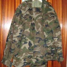 Militaria: UNIFORME DE CAMUFLAJE ACOLCHADO INVIERNO EJERCITO DE TIERRA. Lote 30265737