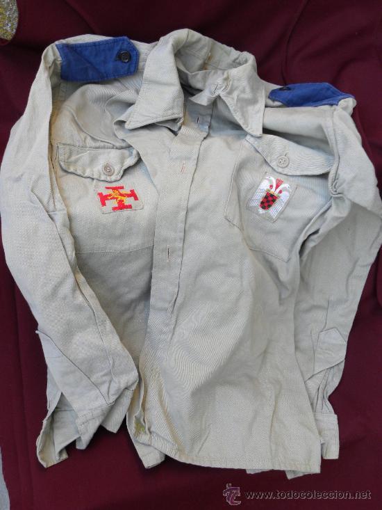 Militaria: Camisa y pantalon fecha Organizacion Juvenil Española OJE y pache de emblema en cada bolsillo c 1960 - Foto 2 - 30325747