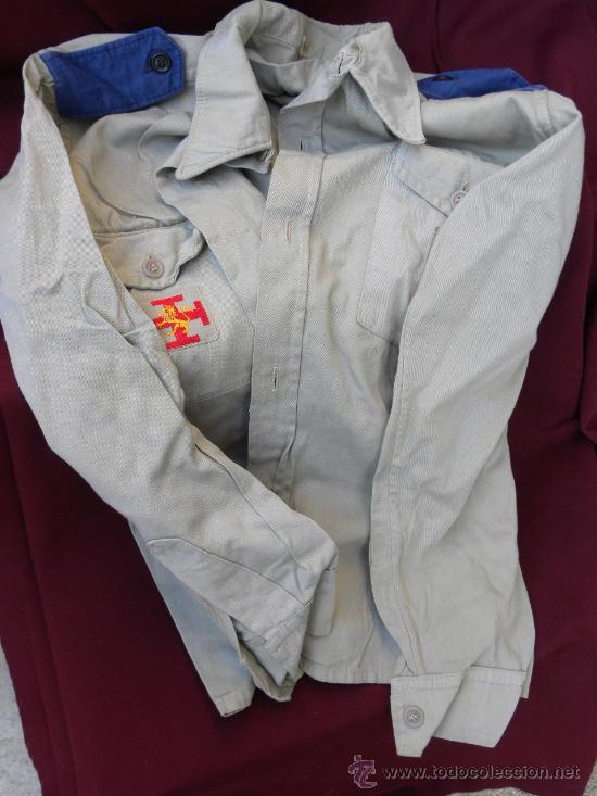 Militaria: Camisa y pantalon fecha Organizacion Juvenil Española OJE y pache de emblema en cada bolsillo c 1960 - Foto 3 - 30325747