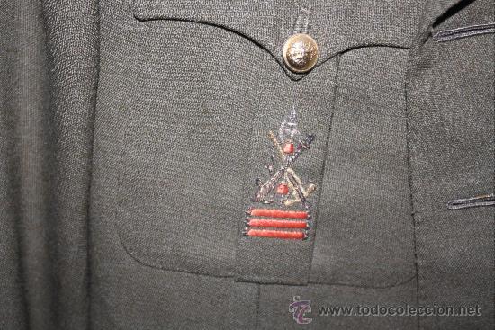 Militaria: ANTIGUA CHAQUETA GUERRERA DE CORONEL DE LA LEGION ESPAÑOLA - CON MEDALLA COLECTIVA - DISTINTIVO D - Foto 4 - 32904597
