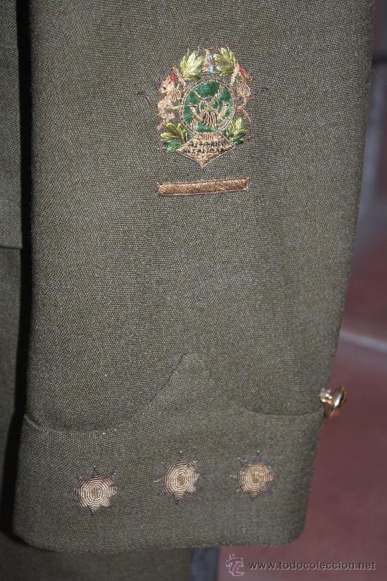 Militaria: ANTIGUA CHAQUETA GUERRERA DE CORONEL DE LA LEGION ESPAÑOLA - CON MEDALLA COLECTIVA - DISTINTIVO D - Foto 5 - 32904597