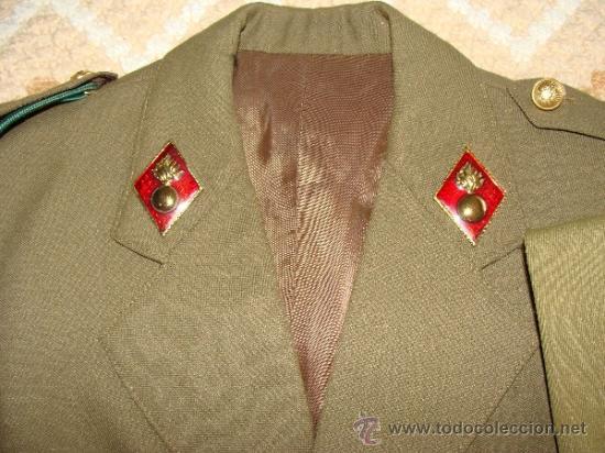 Militaria: UNIFORME DE ALFÉREZ DE ARTILLERÍA. GUERRERA PANTALON CINTURON CORBATA CAMISA CORDÓN. ROMBOS. - Foto 2 - 37604119