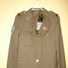 Militaria: TRAJE MILITAR DE GALA. EJERCITO ESPAÑOL. TALLA 40 - SOLDADO DE PRIMERA. COMPLETO. Lote 204425663