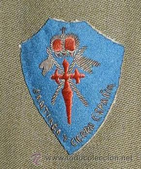 Militaria: UNIFORME DE TENIENTE DE CABALLERIA, CON PARCHE DE TELA BORDADO DE SANTIAGO Y CIERRA ESPAÑA, LA CHAQU - Foto 2 - 42070185