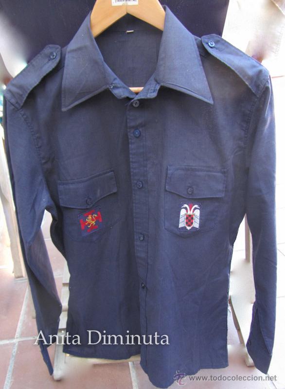 Militaria: ANTIGUA CAMISA DE LA ORGANIZACIÓN JUVENIL ESPAÑOLA - OJE - CADETE O GUIA - CON SUS DOS PARCHES DE OJ - Foto 2 - 46009316