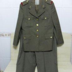 Militaria: CHAQUETA Y PANTALONES DEL EJERCITO ESPAÑOL ,ARTILLERIA. Lote 46720224