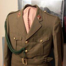 Militaria: 1 GUERRERA DE SARGENTO DE ARTILLERÍA ÉPOCA J.C.I. CORDÓNES DE ECONÓMICAS.. Lote 49485409