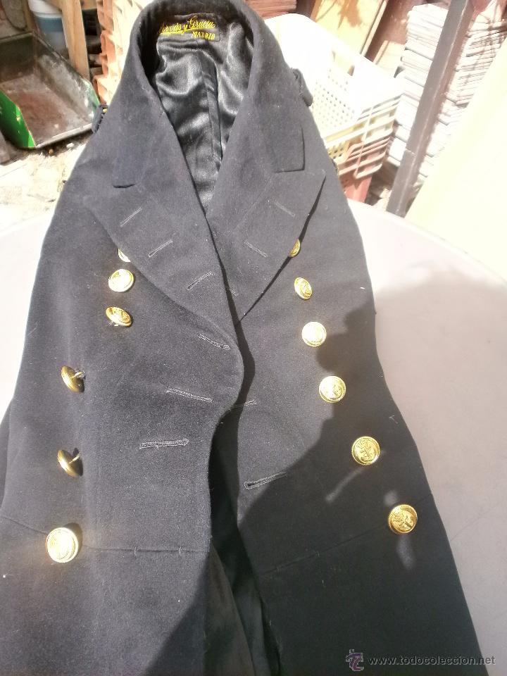 Militaria: Abrigo de Coronel con galones y estrellas ejercito español Marina buen estado aprox. talla 42 - Foto 4 - 49605242