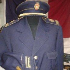 Militaria: GUERRERA Y GORRA JEFE POLICIA LOCAL DE TERRASSA AÑOS 60. Lote 51241697