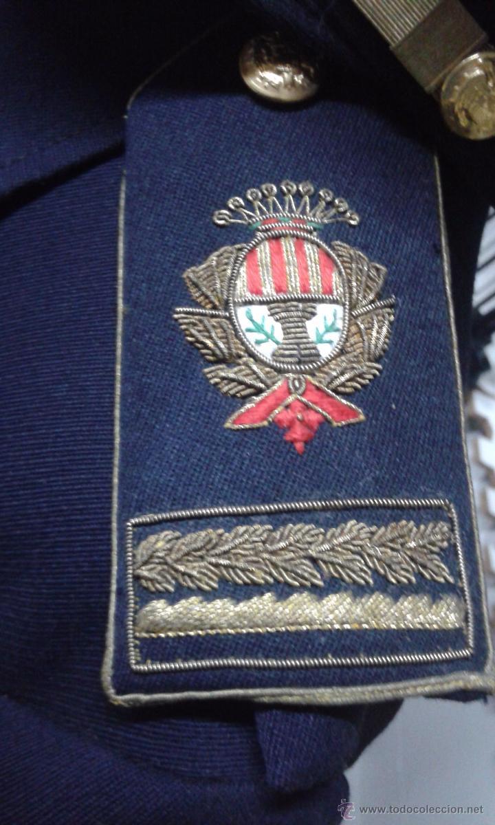 Militaria: GUERRERA Y GORRA JEFE POLICIA LOCAL DE TERRASSA AÑOS 60 - Foto 3 - 51241697