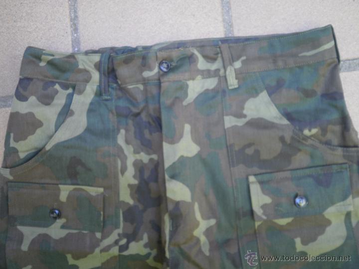 Militaria: Pantalón corto camuflaje boscoco. - Foto 2 - 51422288