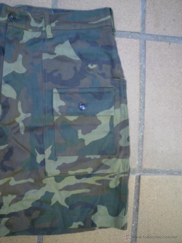 Militaria: Pantalón corto camuflaje boscoco. - Foto 3 - 51422288