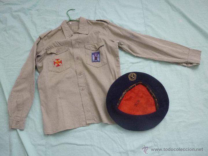UNIFORME O.J.E....CAMISA Y BOINA.ORGANIZACION JUVENIL ESPAÑOLA... (Militar - Uniformes Españoles )