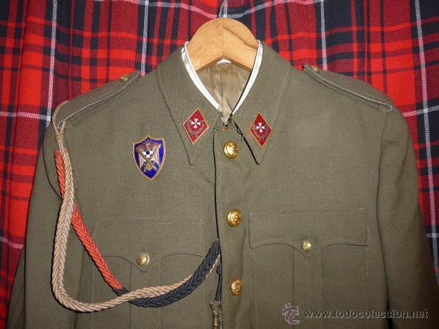 Militaria: Antigua guerrera regl 43 de sanidad militar español + placa SEU + cadetera - Foto 2 - 54076660