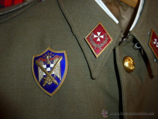 Militaria: Antigua guerrera regl 43 de sanidad militar español + placa SEU + cadetera - Foto 3 - 54076660