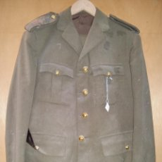 Militaria: GUERRERA Y PANTALÓN DE TENIENTE CORONEL, HOMBRERAS BORDADAS, 42 CM DE HOMBRO A HOMBRO. Lote 54886298