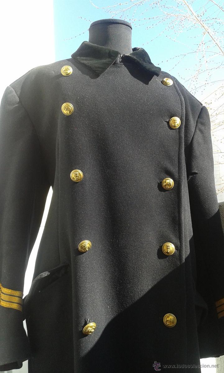 Abrigos cuello militar