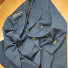 Militaria: AVIACIÓN ESPAÑOLA, GABARDINA DE CORONEL ÉPOCA DE FRANCO. TALLA GRANDE. . Lote 55786659
