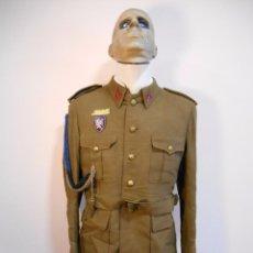 Militaria: ANTIGUO UNIFORME DE ALFEREZ - INGENIEROS - EPOCA FRANQUISTA - INSIGNIA SEU Y FERROCARRILES-. Lote 57258702