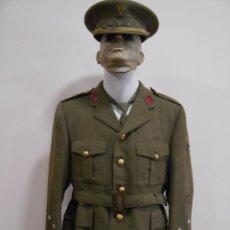 Militaria: ANTIGUO UNIFORME DE CAPITAN DE INFANTERIA CON ROMBOS DE OFICINA- EPOCA FRANQUISTA -. Lote 58427241