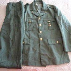 Militaria: UNIFORME MILITAR LEGIONARIO. LEGIÓN ESPAÑOLA. GUERRERA PANTALÓN INSIGNIAS. 1989. 1300 GR. Lote 60992419