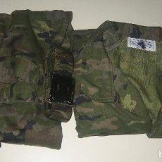 Militaria: UNIFORME VERDE PIXELADO CON CINTURON DE REGALO. Lote 105153864