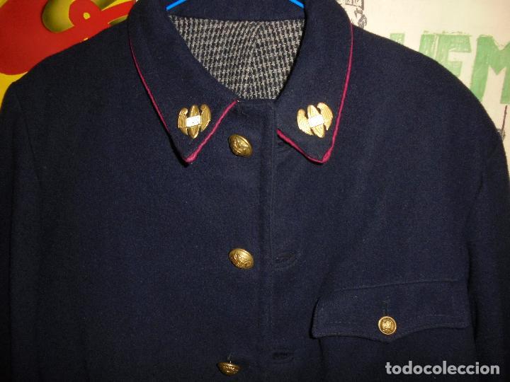 Militaria: CORREOS - TRAJE DE CARTERO DE INVIERNO , CHAQUETA Y PANTALONES , AÑOS 40/50 ORIGINAL , CON SUS EMBLE - Foto 5 - 61924340