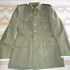 Militaria: ANTIGUA GUERRERA MILITAR AÑOS 50 60. CON ALZACUELLOS Y PUÑOS. 1000 GR. Lote 64231715