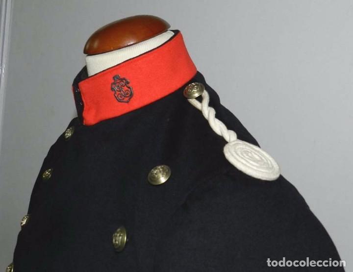 Militaria: Chaqueta o casaca de la Guardia Civil, época de la II Republica, con insignias metalicas en el cuell - Foto 3 - 67222349