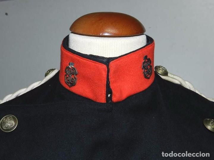 Militaria: Chaqueta o casaca de la Guardia Civil, época de la II Republica, con insignias metalicas en el cuell - Foto 4 - 67222349