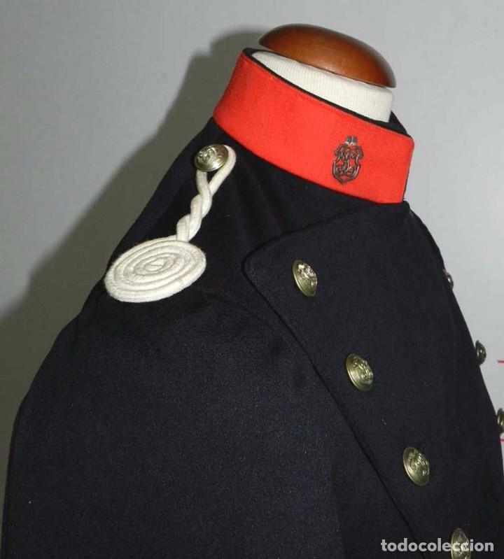Militaria: Chaqueta o casaca de la Guardia Civil, época de la II Republica, con insignias metalicas en el cuell - Foto 5 - 67222349