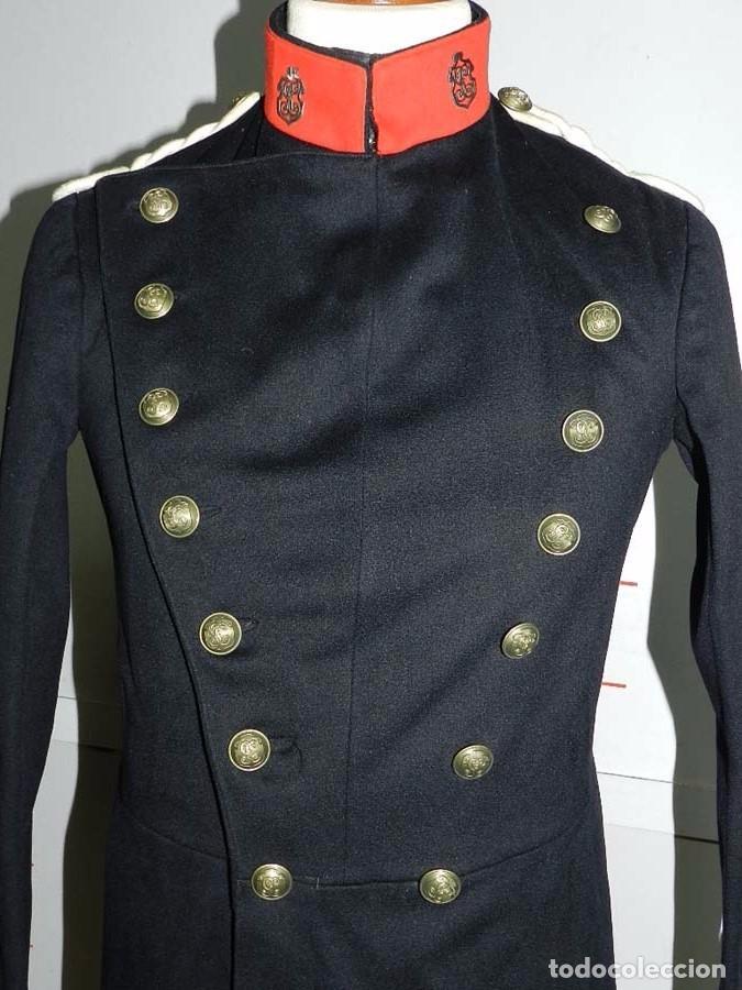 Militaria: Chaqueta o casaca de la Guardia Civil, época de la II Republica, con insignias metalicas en el cuell - Foto 6 - 67222349