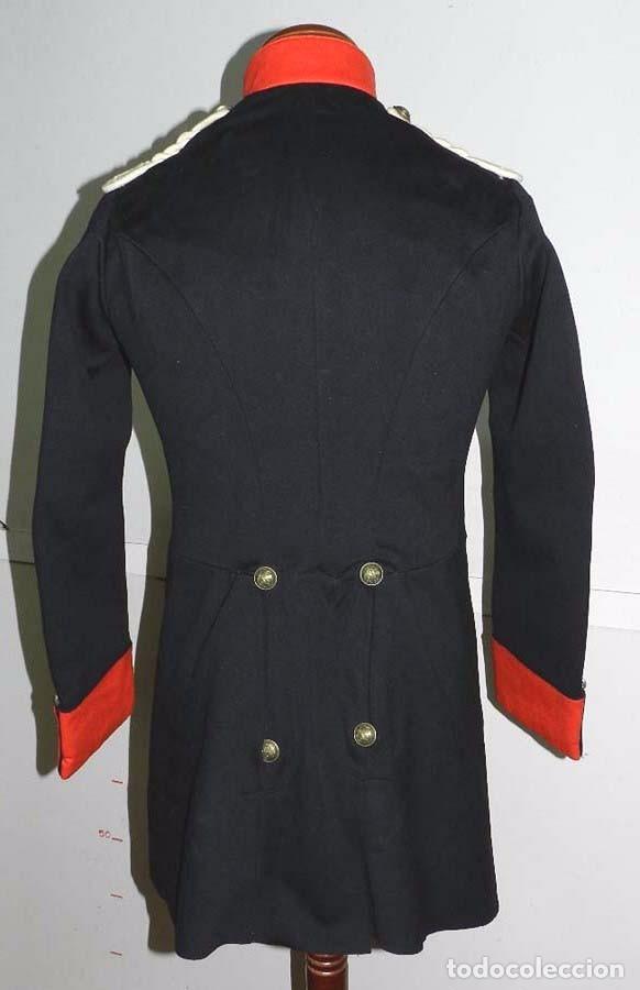 Militaria: Chaqueta o casaca de la Guardia Civil, época de la II Republica, con insignias metalicas en el cuell - Foto 7 - 67222349