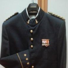 Militaria: LOTE DE UNIFORMES DE CORONEL DE ARTILLERÍA CON MEDALLAS. UNIFORME DE GALA BOTONES ALFONSO XIII. Lote 72587007