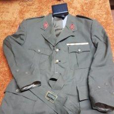 Militaria: LOTE DE 2 UNIFORMES DE CAPITÁN Y ABRIGO . Lote 80588602