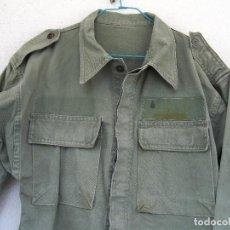 Militaria: CAMISOLA DE SALTO BRIPAC AÑOS 60 Y 70. PARCHE DE PECHO ARTILLERÍA. VERDE SARGA BRIGADA PARACAIDISTA.. Lote 83662772
