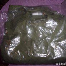 Militaria: CHAQUETA CON PANTALON VERDE FAENA. Lote 86284720
