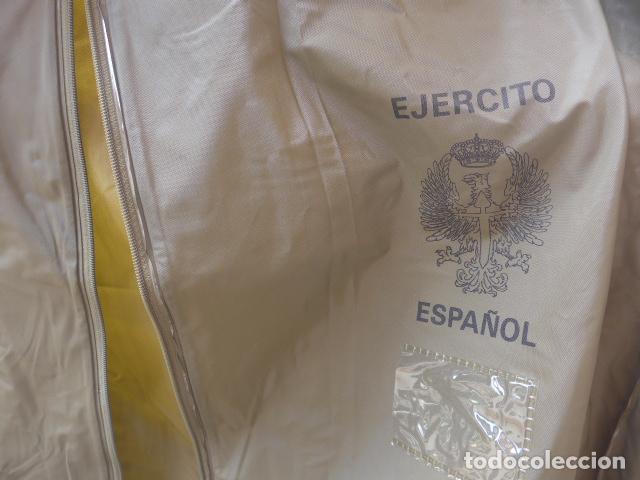 guerrera del completo Uniforme español mujer 2 boina ejercito de Militaria  8vB4xqx 7691ba73cbb
