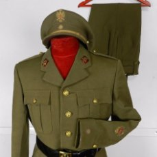 Militaria: UNIFORME COMANDANTE CON MEDALLA COLECITVA REGIMIENTO INFANTERIA N.22 SAN MARCIAL, SOMOSIERRA, GUERRA. Lote 87483352