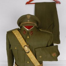 Militaria: UNIFORME COMANDANTE CON MEDALLA COLECITVA REGIMIENTO INFANTERIA N.22 SAN MARCIAL, SOMOSIERRA, GUERRA. Lote 87484352