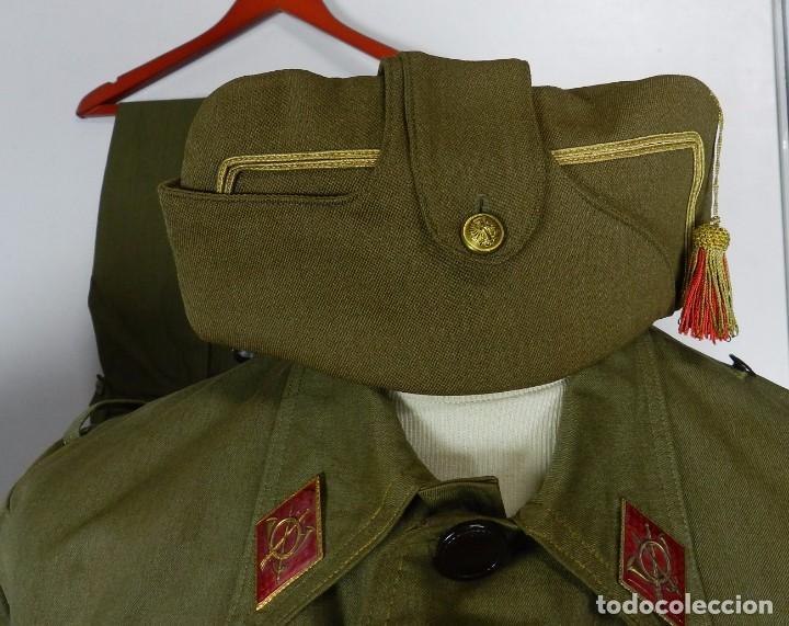 Militaria: LOTE CHAQUETA Y GUERRERA, REGLAMENTO 1943, PERIODO POST GUERRA CIVIL, CON GORRA CUARTELERA DE COMAN - Foto 4 - 87500840