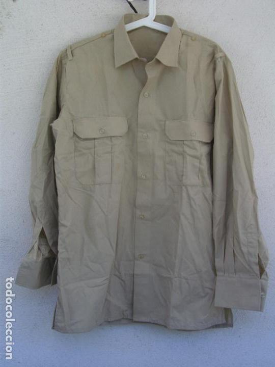 CAMISA MILITAR ESPAÑOLA. MANGA LARGA. TALLA 42, COLOR BEIGE,GARBANZO,ARENA,REPRESENTACIÓN (Militar - Uniformes Españoles )